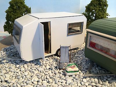 "Dolls house Retro Caravan 1/4"" Scale 1/48th"