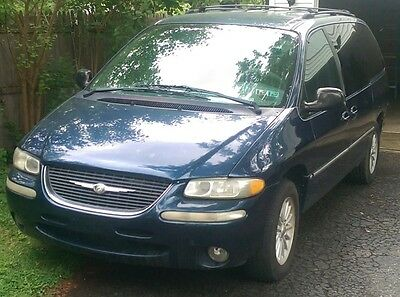 1999 Chrysler Town & Country  99 TOWN AND COUNTRY LXi