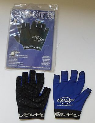 New Unused Rugby  Grip- Mitts Wet Weather Ball Handling Size M
