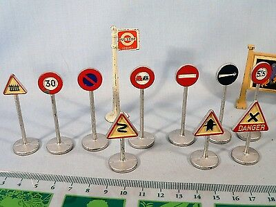 Vintage Dinky Toys Road Signs part set 771 + bus stop + Hornby Hoarding