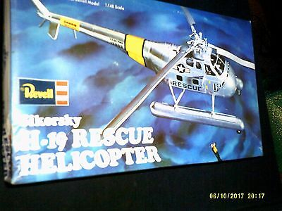 Revell 1/48 Sikorsky H-19 Rescue Helicopter