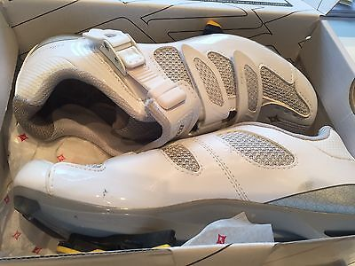 Womens Cycling shoes Size 4