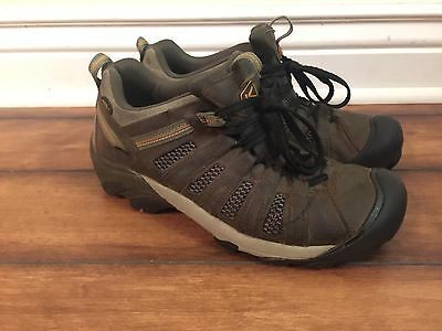 Keen Men's Voyageur Hiking Shoes 1002570 Size: 10