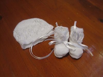 Baby Bonnet and Bootees set Hand Knitted BRAND NEW 0-3 Months (White)