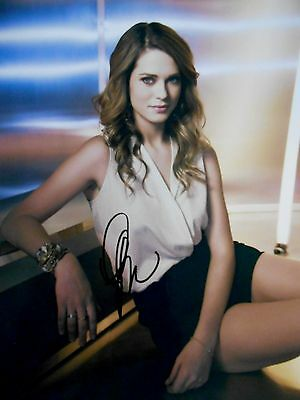 Lyndsy Fonseca  8x10 auto photo in Excellent Condition