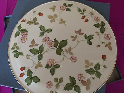 Wedgwood cake plate with Strawbery pattern