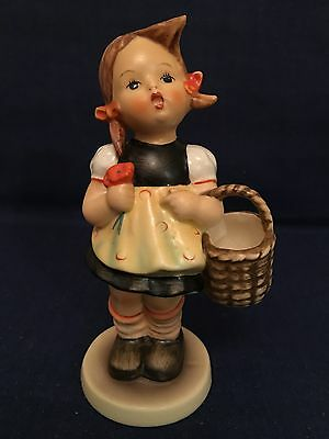 HUMMEL Goebel SISTER Hum 98/0 TMK4 COLLECTIBLE GIFT (010)