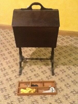 VINTAGE SEWING STAND FLOOR STYLE w/HANDLE FLIP UP TOP INSIDE MOVABLE TRAY