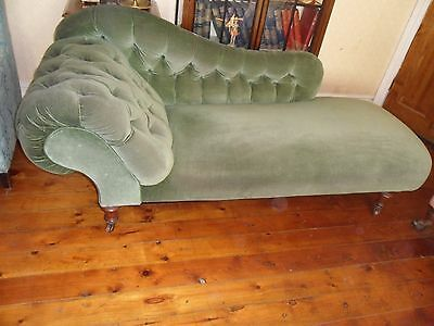 Elegant Antique Victorian Buttoned Backed Chaise Longue