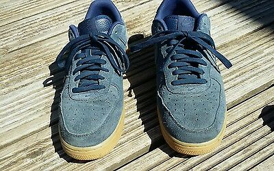 Mens Nike size 8.5 trainer
