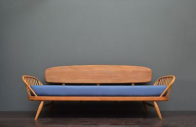 Vintage Retro Mid Century Beech & Elm Blonde ERCOL Studio Couch / Sofa / Day Bed