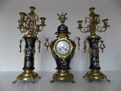 19th Century Brass and Porcelain Mounted Clock Garniture Height 57,5  cm !!!