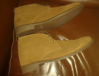 Clarks Tan Suede Desert Boots Size 11 Brand New In Box