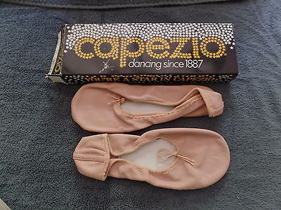 Vintage Pink CAPEZIO Ballet Shoes Slippers New In Box 225L Pink 7D A2 Dance