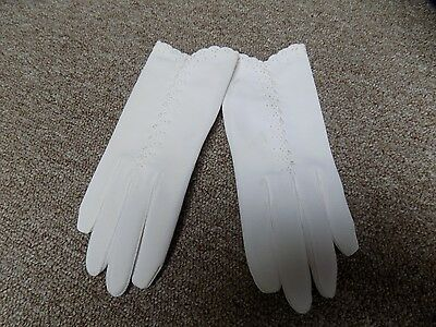 Vintage Mid Century Off White Embroidered Nylon Dress Gloves One Size