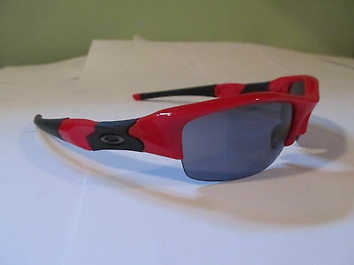 New Authentic Oakley Flak Jacket  Sunglasses. Red w/ Grey