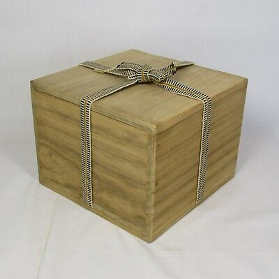 A158: Japanese wooden storage box for tea bowl made from KIRI. SHIHO-SAN 2