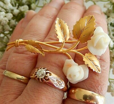 5,34 Gram, 750 Gold Brooch , Shell Solid , Ladies , Gold