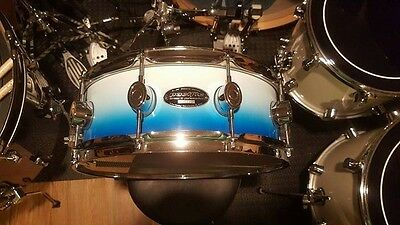 """Pacific PDP 14"""" Maple Snare Drum - White & Blue Fade - New Remo Head"""