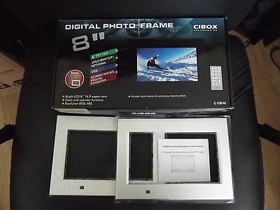 "8"" DIGITAL PHOTO FRAME C108-M with 2 extra faceplates and remote control"