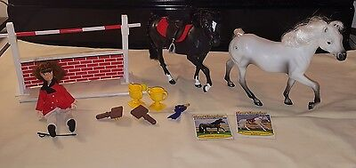 1992 marchon grand champions 16 piece play set rider, 2 Arabians ,trophies ,jump