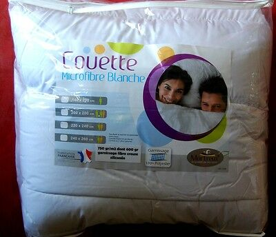 COUETTE blanche 220x240 TRÈS CHAUDE  750gr m2 MADE IN  France EXTRAORDINAIRE