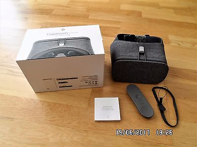 Google Daydream View VR Virtual Reality Headset for Samsung/Pixel/Android phones