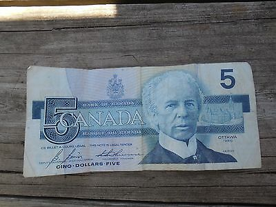 Canadian $5 Dollar Bank Note Bill GPJ5526695 Circulated 1986 Canada