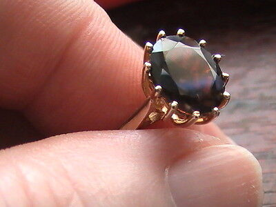 9Ct Gold Ring With Garnet Stone.  Size N-O