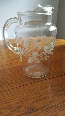 Vintage Grape Clusters & Vine 4 Cup Clear Glass Water/Juice Pitcher