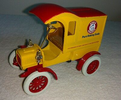 1905 Ford Delivery Car Coin Bank 1:25 Scale-Arm & Hammer Pure Baking Soda advert