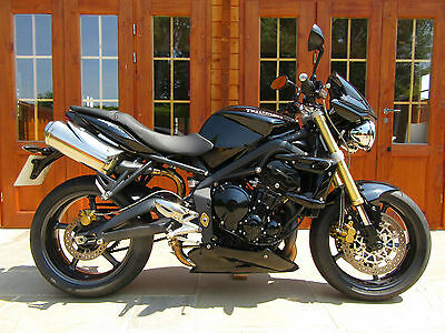 2011/11 Triumph Street Triple 675 - LOW MILEAGE/FSH