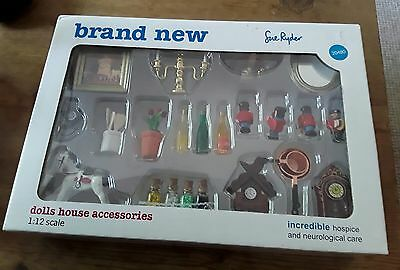 Dolls House 14 Piece Accessories Pack Kitchen Bedroom Dining 1:12 scale NEW