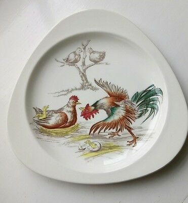 "Spode Copeland Triangular ""Barbecue"" Series Plate - Crazy Cockerel Design (1957)"