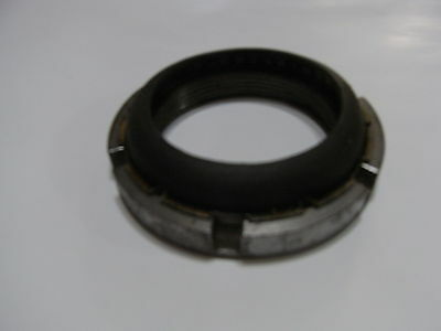 International D1510 and other models rear axle nut and seal assembly