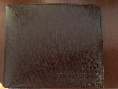 Brand New Gentlemen Givenchy Bifold Leather Wallet (Black, Brown or Green)