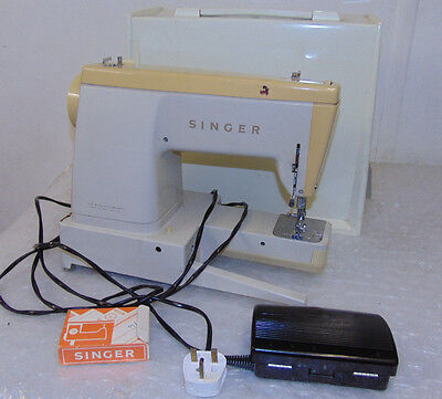 Singer 533 Vintage Antique Radio Classic Sewing Machine Made In Great Britain