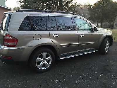 2008 Mercedes-Benz GL-Class  2008 Mercedes GL 450. Gold with beige leather  Interior.