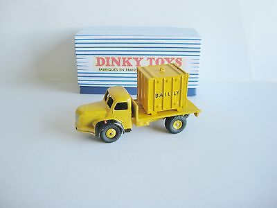 "Dinky Toys  Berliet Porte Container ""bailly"""