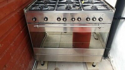 6 burner gas hob and oven