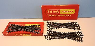 3 Triang Hornby R493 Series 4 RH crossovers, 2 boxed, VG