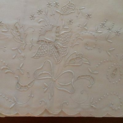 Vtg NEW pillow cases 2pc ivory cotton  MADEIRA  embroidery flowers bows cut work