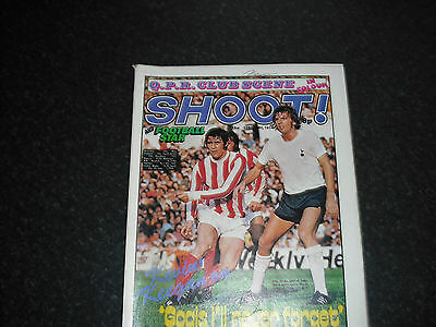 George Best-Shoot! Magazine-23 Feb 1974-QPR Team Group