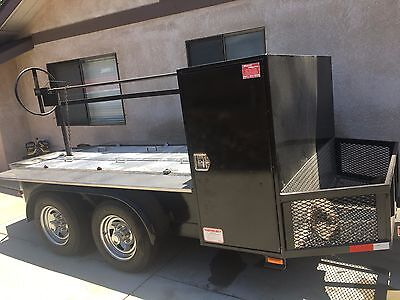 BBQ Santa Maria trailer grill w/propane torch start. 8ft excellent condition