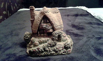 Miniature Cottage Similar To Lilliput Lane Style