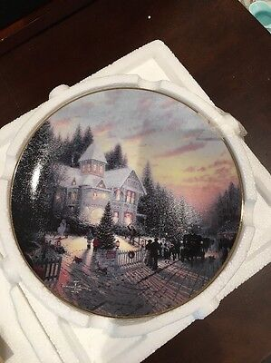 "Thomas Kinkade Plate ""The Magic Of Christmas"""
