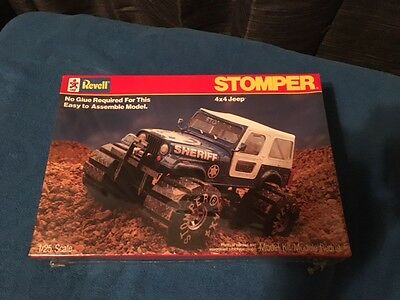 Revell 6425 Stomper 4 x 4 Jeep 1/25 Scale - Sealed