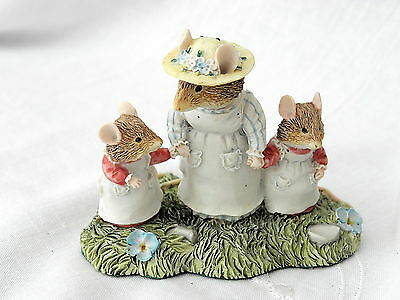 Classic Collectables ~ Brambly Hedge ~ Mrs Apple With Clover & Catkin ~ Bhf16