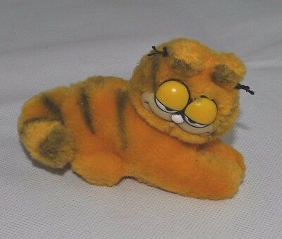 Vintage Garfield Fire Magnet Grip Plush Teddy Soft Toy Dakin 1980