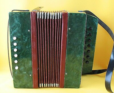 Russian ACCORDION Soviet Kids GARMOSHKA USSR Childs BAYAN Vintage Harmonica
